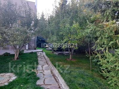 8-комнатный дом, 694 м², 60 сот., мкр Ерменсай, 6-й переулок 26 за 626 млн 〒 в Алматы, Бостандыкский р-н