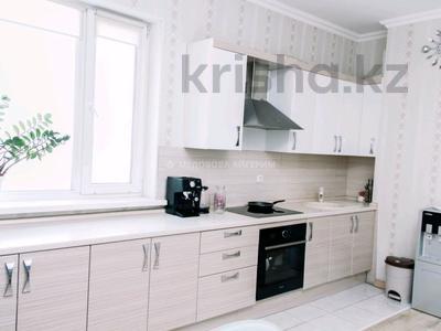 3-комнатная квартира, 94 м², 5/15 этаж, Алматы за 38 млн 〒 в Нур-Султане (Астана), Есиль р-н