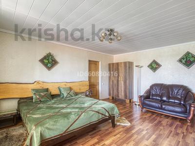 5-комнатный дом посуточно, 200 м², 7.5 сот., Джамбула 41 за 70 000 〒 в Алматы — фото 4