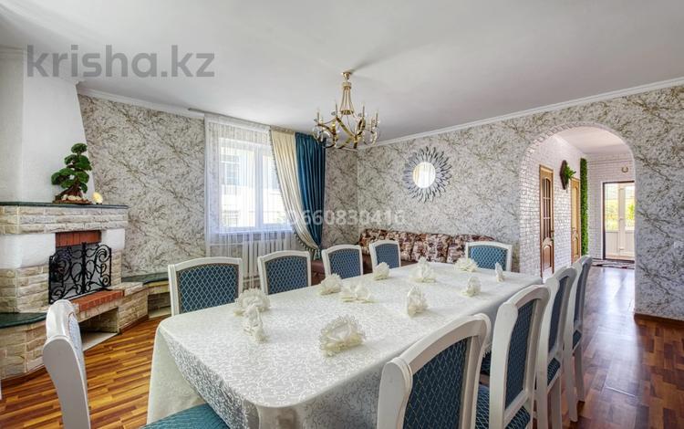 5-комнатный дом посуточно, 200 м², 7.5 сот., Джамбула 41 за 70 000 〒 в Алматы