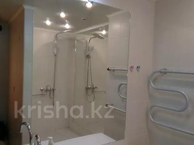1-комнатная квартира, 33 м², 8/9 этаж посуточно, Автовокзал 1 за 5 000 〒 в Усть-Каменогорске — фото 9