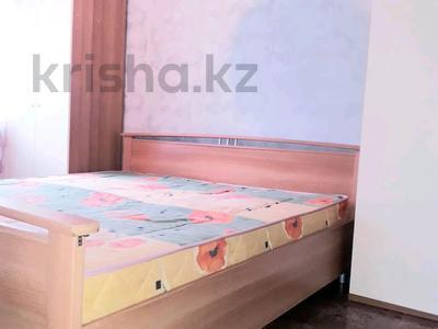 3-комнатная квартира, 96 м², 3/4 этаж посуточно, Маметова — Курмангазы за 12 000 〒 в Уральске — фото 4