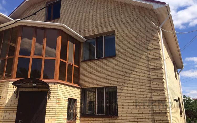 6-комнатный дом, 234 м², 6 сот., 26 квартал — Жамбыла за 70 млн 〒 в Караганде, Казыбек би р-н