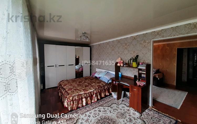 3-комнатная квартира, 55 м², 3/4 этаж, Жетысу 27дом — 52кв за 15 млн 〒 в Талдыкоргане