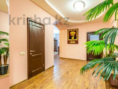 3-комнатная квартира, 170 м², 14/30 этаж посуточно, Аль-Фараби 7 за 40 000 〒 в Алматы — фото 2