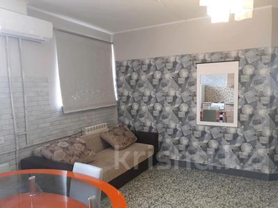 2-комнатная квартира, 40 м², 1 этаж посуточно, 3-й мкр, 3 мкр 22 за 6 000 〒 в Актау, 3-й мкр