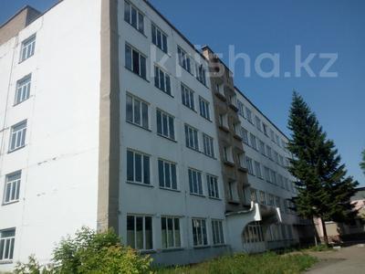 Здание, площадью 3070 м², Универсальная 1/А за ~ 154.5 млн 〒 в Петропавловске