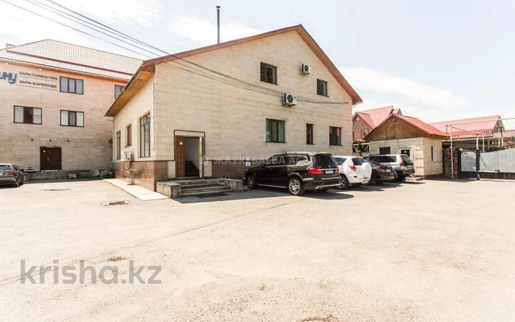 Здание, площадью 740 м², мкр Мамыр-4 10 за 249 млн 〒 в Алматы, Ауэзовский р-н