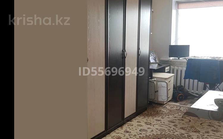 1-комнатная квартира, 18 м², 5/5 этаж, Набережная 33 — Ауэзова за 1.6 млн 〒 в Аксу