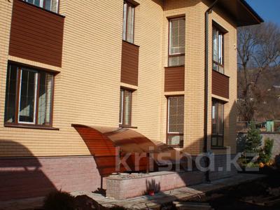 6-комнатный дом, 372 м², 14 сот., мкр Алатау, Жулдыз — Центральной за 99 млн 〒 в Алматы, Бостандыкский р-н