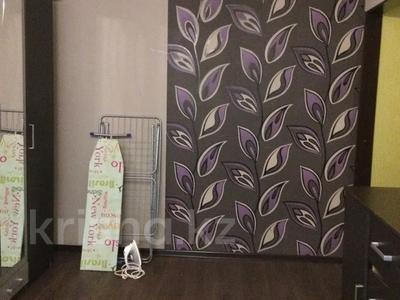 1-комнатная квартира, 31 м², 1/5 этаж посуточно, мкр Казахфильм 10 за 8 000 〒 в Алматы, Бостандыкский р-н — фото 2