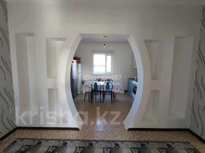 2-комнатный дом, 78 м², 8 сот., 14-й мкр 29 за 9.5 млн 〒 в Дамбе