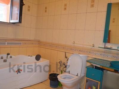 6-комнатный дом посуточно, 400 м², Медеуский р-н, мкр Коктобе за 50 000 〒 в Алматы, Медеуский р-н — фото 12