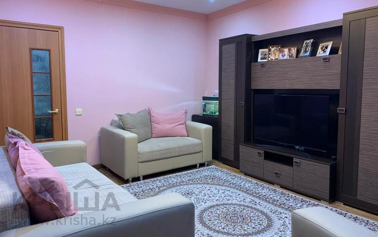 2-комнатная квартира, 48 м², 2/2 этаж, Сарсекова за 10.9 млн 〒 в Караганде, Казыбек би р-н