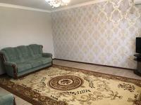2-комнатная квартира, 90 м², 2/5 этаж помесячно, Батыс-2 8 за 120 000 〒 в Актобе, мкр. Батыс-2