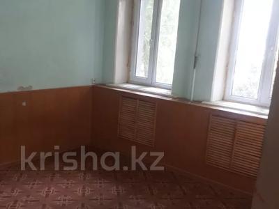 3-комнатная квартира, 60 м², 1/5 этаж, Гоголя 00 — Таукехана за 14 млн 〒 в Шымкенте — фото 3