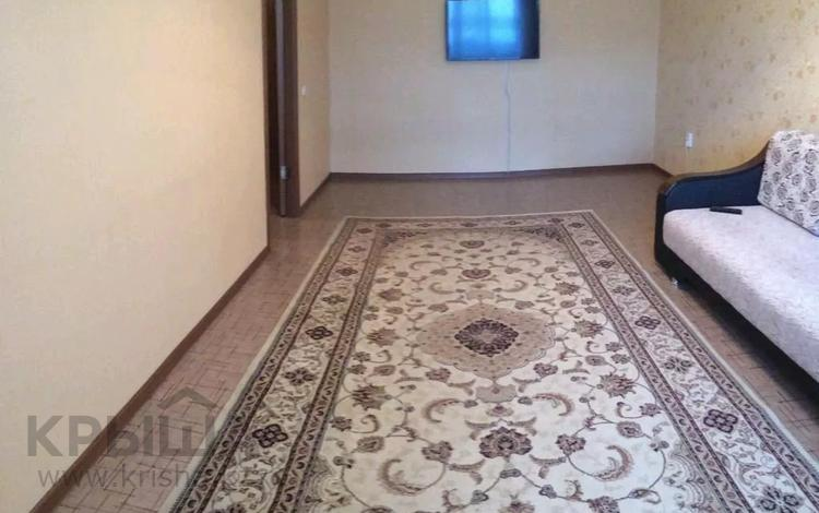 2-комнатная квартира, 65 м², 2/9 этаж посуточно, мкр 12 20 — Маншук Маметовой за 8 000 〒 в Актобе, мкр 12