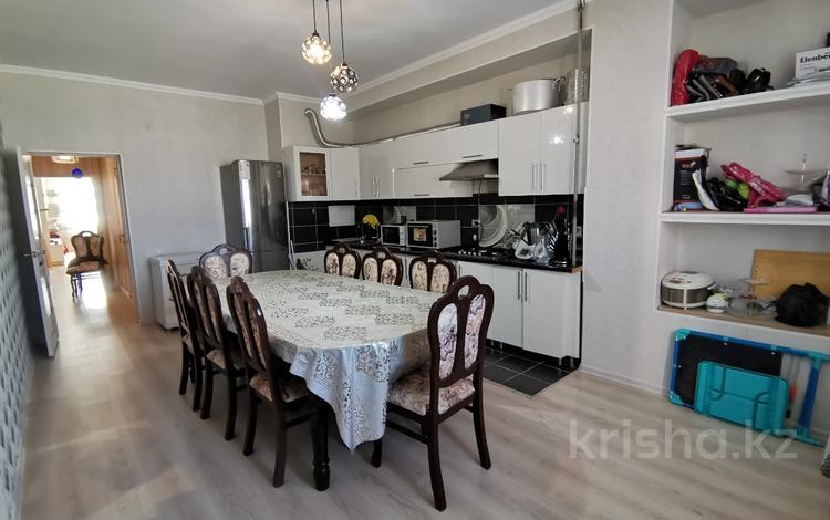 2-комнатная квартира, 73 м², 6/9 этаж, 17-й мкр 46 за 15.6 млн 〒 в Актау, 17-й мкр