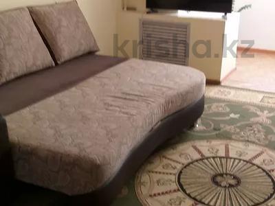 1-комнатная квартира, 48 м², 2/5 этаж посуточно, 7-й мкр 25 за 6 500 〒 в Актау, 7-й мкр — фото 2