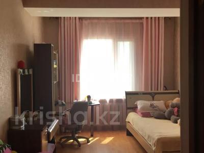 7-комнатный дом, 280 м², 10 сот., Ертыс 9 — Хантау за 83 млн 〒 в Нур-Султане (Астана), Алматы р-н — фото 16