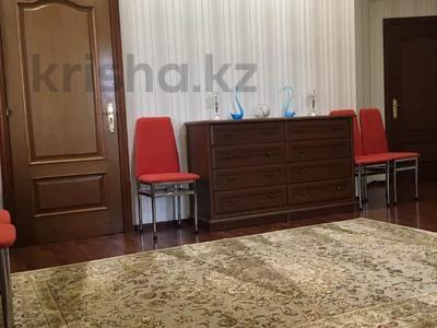 7-комнатный дом посуточно, 250 м², 6 сот., Чубары — Мендешева за 60 000 〒 в Нур-Султане (Астана), Есиль р-н — фото 22