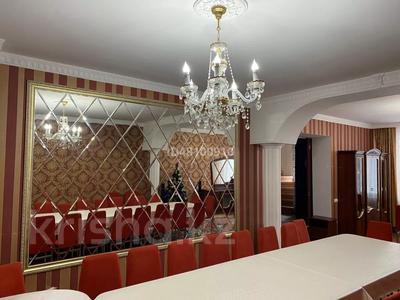 7-комнатный дом посуточно, 250 м², 6 сот., Чубары — Мендешева за 60 000 〒 в Нур-Султане (Астана), Есиль р-н — фото 10