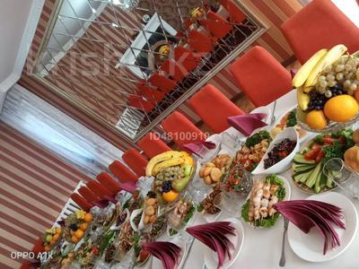 7-комнатный дом посуточно, 250 м², 6 сот., Чубары — Мендешева за 60 000 〒 в Нур-Султане (Астана), Есиль р-н — фото 4