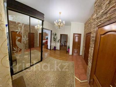7-комнатный дом посуточно, 250 м², 6 сот., Чубары — Мендешева за 60 000 〒 в Нур-Султане (Астана), Есиль р-н — фото 23