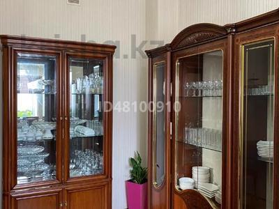 7-комнатный дом посуточно, 250 м², 6 сот., Чубары — Мендешева за 60 000 〒 в Нур-Султане (Астана), Есиль р-н — фото 24