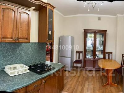 7-комнатный дом посуточно, 250 м², 6 сот., Чубары — Мендешева за 60 000 〒 в Нур-Султане (Астана), Есиль р-н — фото 25