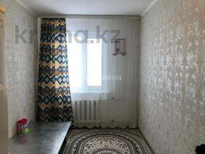 2-комнатная квартира, 49 м², 1/5 этаж, 10 мкр 14 за 13.5 млн 〒 в Аксае