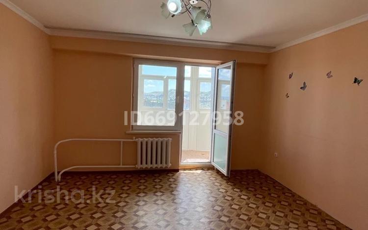 4-комнатная квартира, 103 м², 9/9 этаж, Казыбек би 7/1 за 30 млн 〒 в Усть-Каменогорске