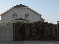 9-комнатный дом, 593.7 м², 16.1 сот., Лесная 16/1 за 80 млн 〒 в Семее
