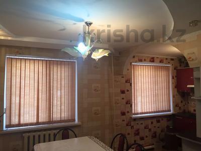 3-комнатная квартира, 60 м², 1/5 этаж, 1 мкр 8 за 12 млн 〒 в Туркестане — фото 6