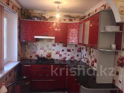 3-комнатная квартира, 60 м², 1/5 этаж, 1 мкр 8 за 12 млн 〒 в Туркестане — фото 7
