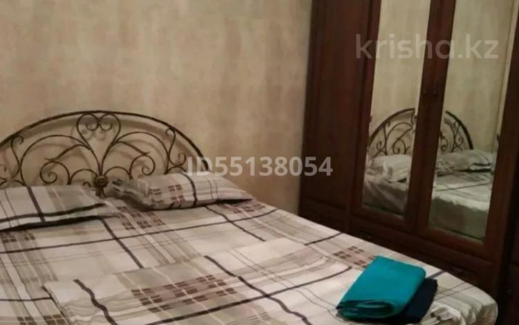 2-комнатная квартира, 56 м², 1/5 этаж посуточно, проспект Ауэзова 37 — ул Утепбаева за 7 000 〒 в Семее