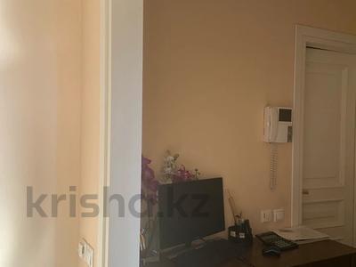 2-комнатная квартира, 75 м², 5/6 этаж, Назарбаева 301 — Кажымукана за 50 млн 〒 в Алматы, Медеуский р-н — фото 6