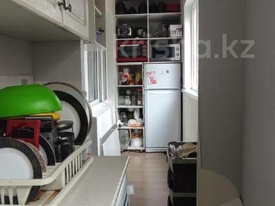 1-комнатная квартира, 36 м², 2/5 этаж, мкр Аксай-3, Мкр Аксай-3 — Бауыржана Момышулы за 15 млн 〒 в Алматы, Ауэзовский р-н — фото 14