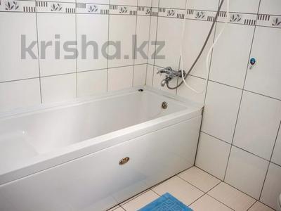 4-комнатная квартира, 135 м², 1/3 этаж посуточно, Кипр Гирне в за 29 520 〒 — фото 8