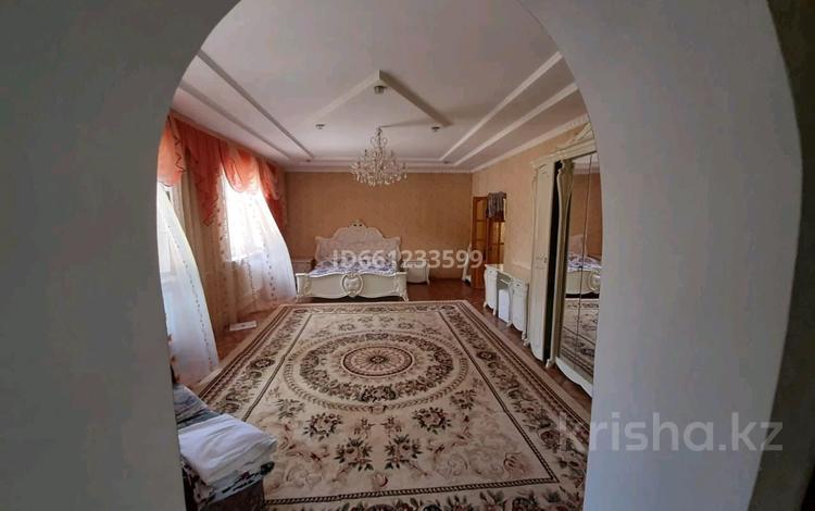 9-комнатный дом, 192 м², 14 сот., Красная звезда ул. Жантохова 2 за 40 млн 〒 в Таразе
