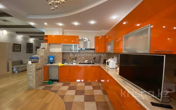 4-комнатная квартира, 130 м², 2/6 этаж, Есенберлина за 65 млн 〒 в Алматы, Медеуский р-н