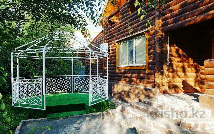 6-комнатный дом посуточно, 200 м², 10 сот., Нурхана Ахметбекова 22 за 150 000 〒 в Нур-Султане (Астана), Алматы р-н