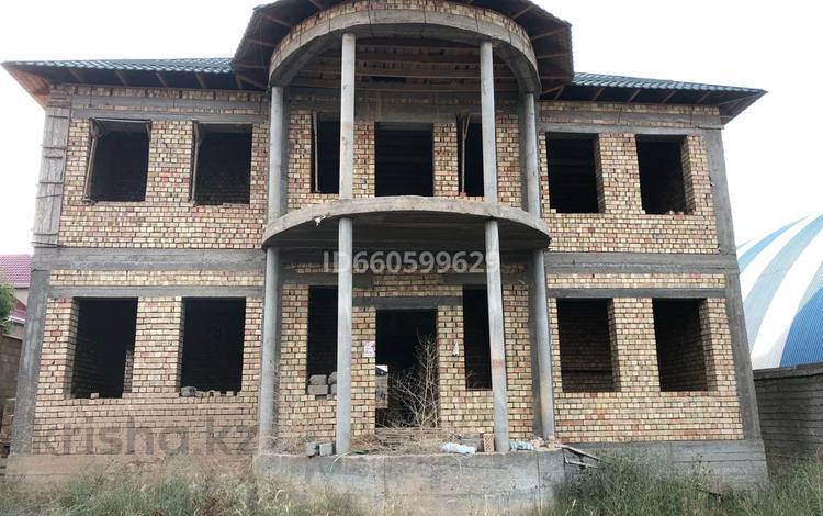 8-комнатный дом, 400 м², 10 сот., Аргынбекова за 65 млн 〒 в Шымкенте, Енбекшинский р-н
