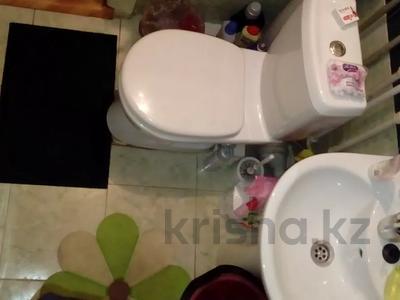 3-комнатная квартира, 58.1 м², 5/5 этаж, Комсомольский 21/1 — проспект Республики за 5.2 млн 〒 в Темиртау — фото 9