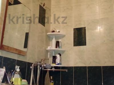3-комнатная квартира, 58.1 м², 5/5 этаж, Комсомольский 21/1 — проспект Республики за 5.2 млн 〒 в Темиртау — фото 10