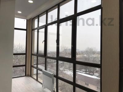 3-комнатная квартира, 98.3 м², 6/7 этаж, Байкенова — Аскарова Асанбая за ~ 53.8 млн 〒 в Алматы, Бостандыкский р-н — фото 13