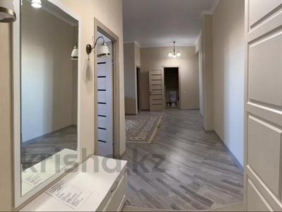 3-комнатная квартира, 90 м², 7/9 этаж посуточно, Гульдер 1 1/4 — Шахтёров за 10 000 〒 в Караганде, Казыбек би р-н — фото 9