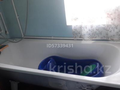 2-комнатный дом, 50 м², 6 сот., Серикбаева 125 за 6 млн 〒 в Караганде, Казыбек би р-н — фото 3