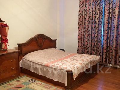 1-комнатная квартира, 55 м², 9 этаж помесячно, Кабанбай батыра 11 за 150 000 〒 в Нур-Султане (Астана), Есиль р-н