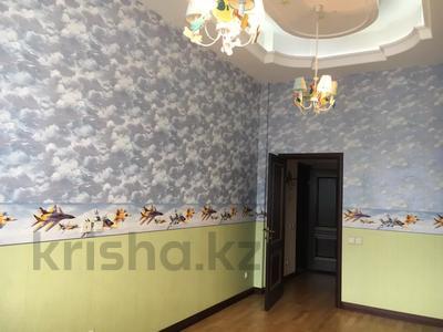 4-комнатная квартира, 145 м², 4/5 этаж, Набережная 24 — Аксайская за 45 млн 〒 в Алматы — фото 5